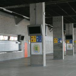 obudowa monitora na stadionie